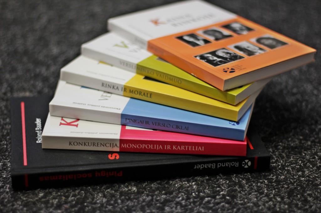 REA knygos