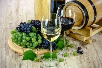 two-types-of-wine-1761613__340