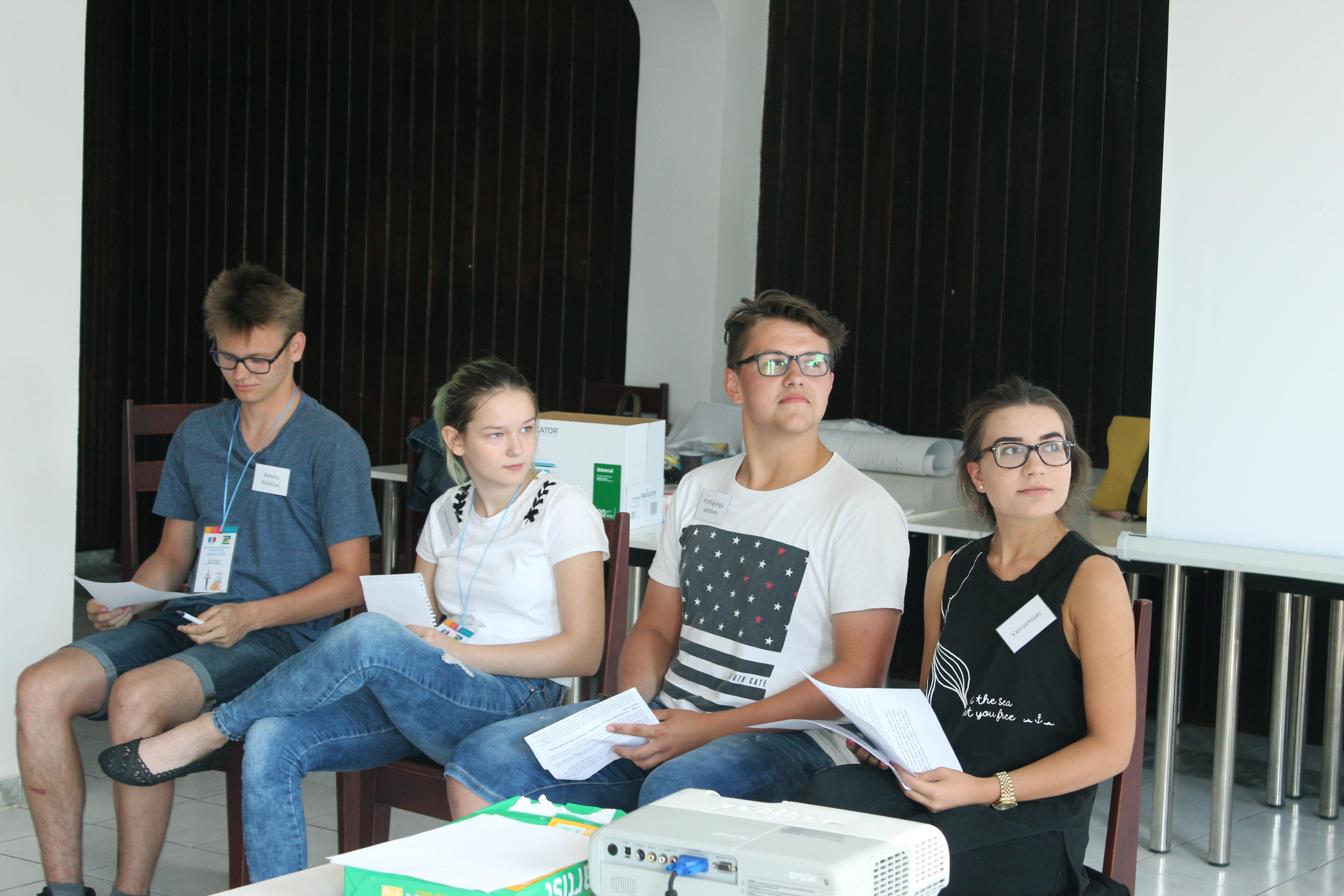 debatai moksleiviams