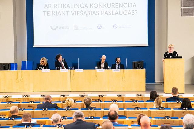"""Tarptautinė konferencija """"Ar reikalinga konkurencija teikiant viešąsias paslaugas?"""" (video)"""